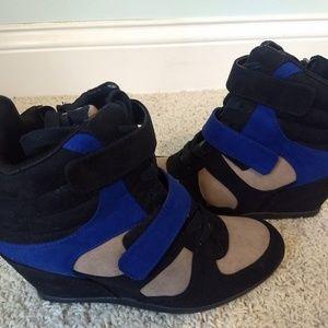 Simply Vera Vera Wang Wedge Shoes